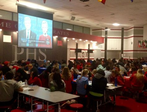 PHS students come together to watch the debate