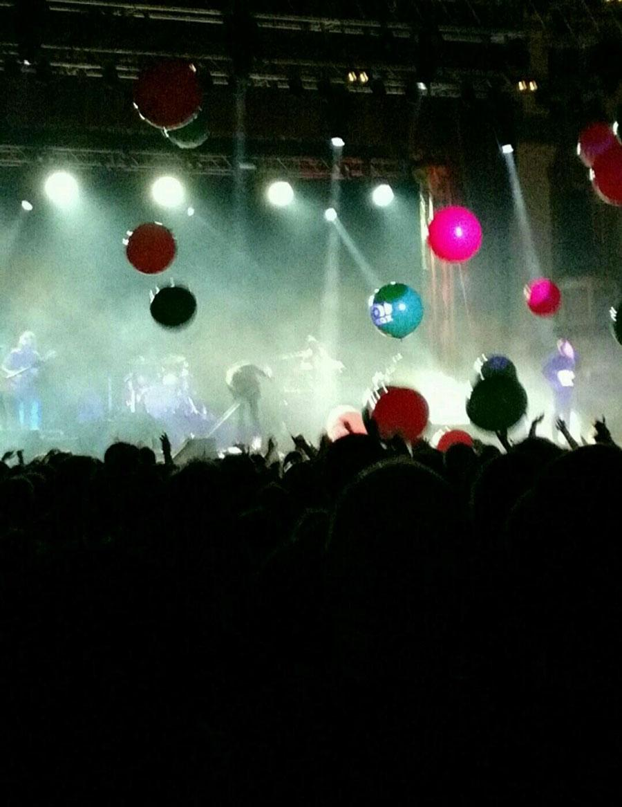 The concerts in the Aragon Ballroom brings the audience together.