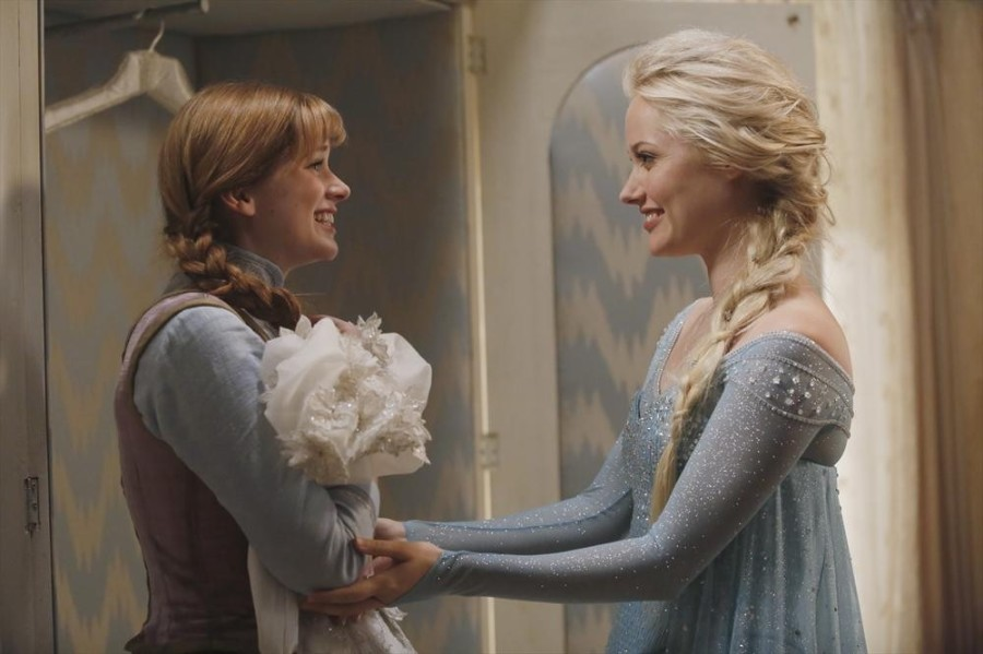 Elsa+%28Georgina+Haig%29+and+Anna+%28Elizabeth+Lail%29+share+a+touching+moment+in+the+Season+4+premiere+of+%22Once+Upon+a+Time.%22