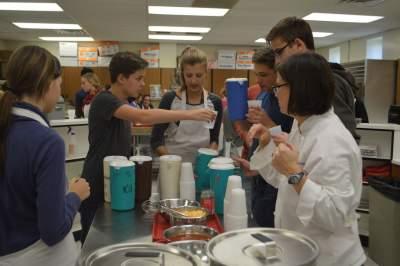 Palatine High School hosts German exchange students