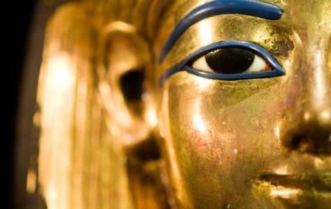King Tut's burial mask damaged