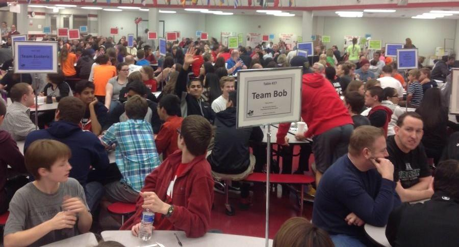 The+cafeteria+was+packed+with+students+and+adults+alike+for+the+Ray+Mills+fundraising+event%2C+Trivia+Night.+