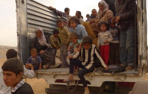 Syrians flee to surrounding countries