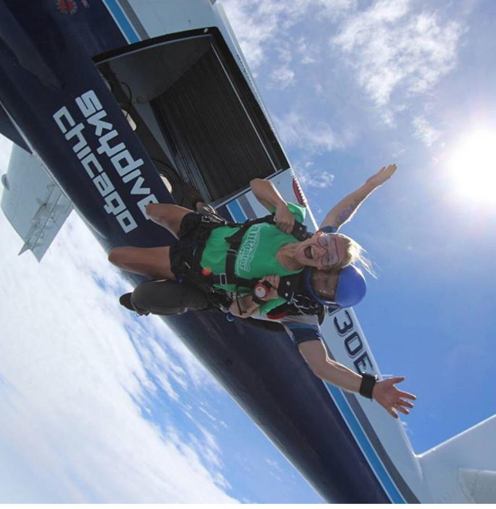 Dana+Balog+skydiving+at+Skydive+Chicago.+