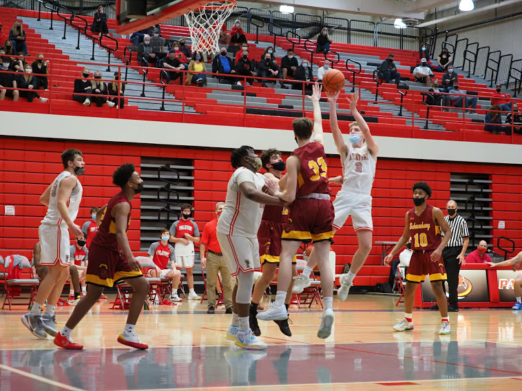 Slideshow: Highlights from the boys basketball victory